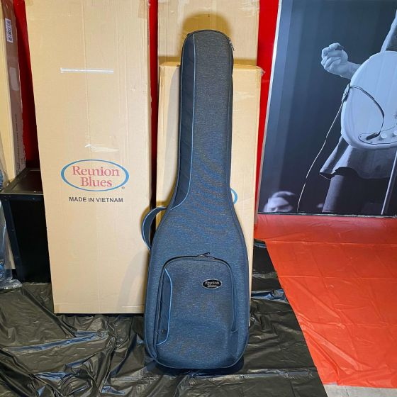 Reunion Blues Continental Voyager Electric Bass Guitar Case (Hook Defect)