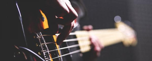 Bass Tips: Playing Through An Amp VS Playing Through A PA