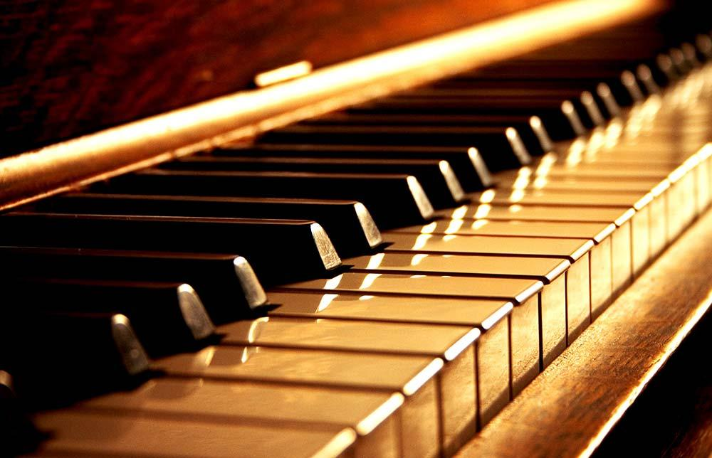 How Playing The Piano Can Make You A Better Guitarist